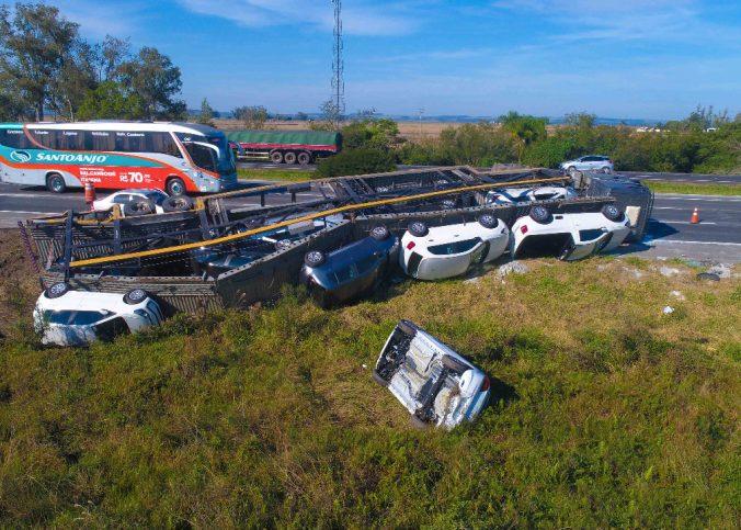 Acidentes rodovias 676x483 - Guinchos Rebocadores da IMAP são utilizados em rodovias brasileiras