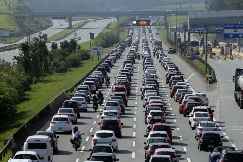 fluxo de carros - Autossocorro: o que é e como funciona