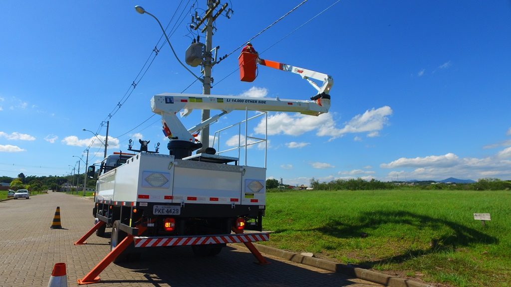 Cesta aerea other side 1024x576 - Grupo Citelum utiliza solução inovadora na Gestão da Iluminação Pública e Privada