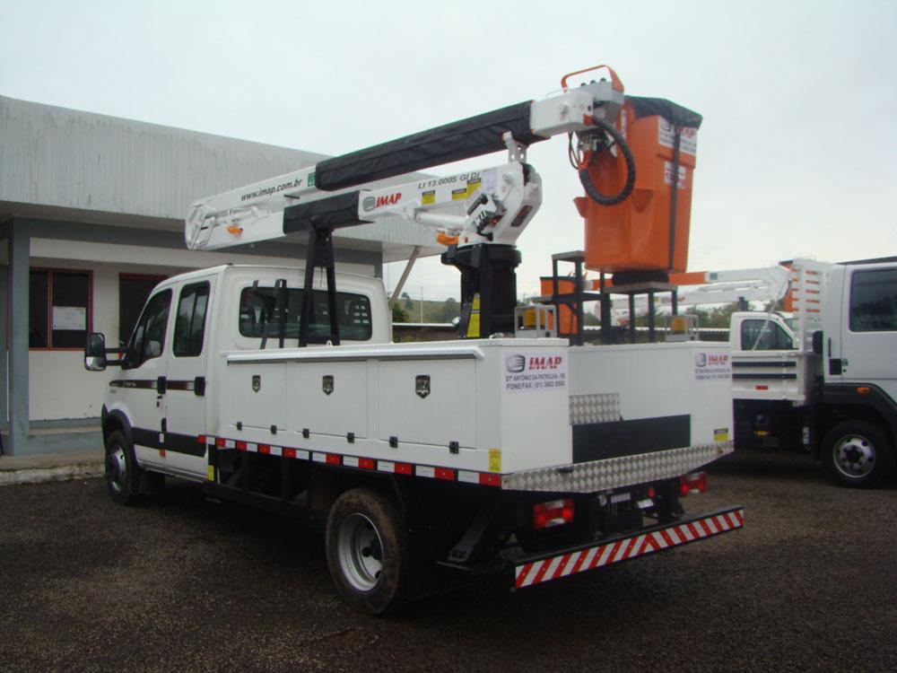cesta aérea LI 13000 S GI DI - Manutenção em redes energizadas