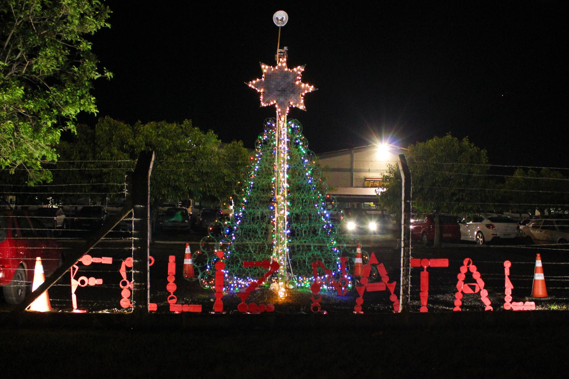 IMG 4116 - Talentos da IMAP: Colaboradores produzem árvore de Natal criativa