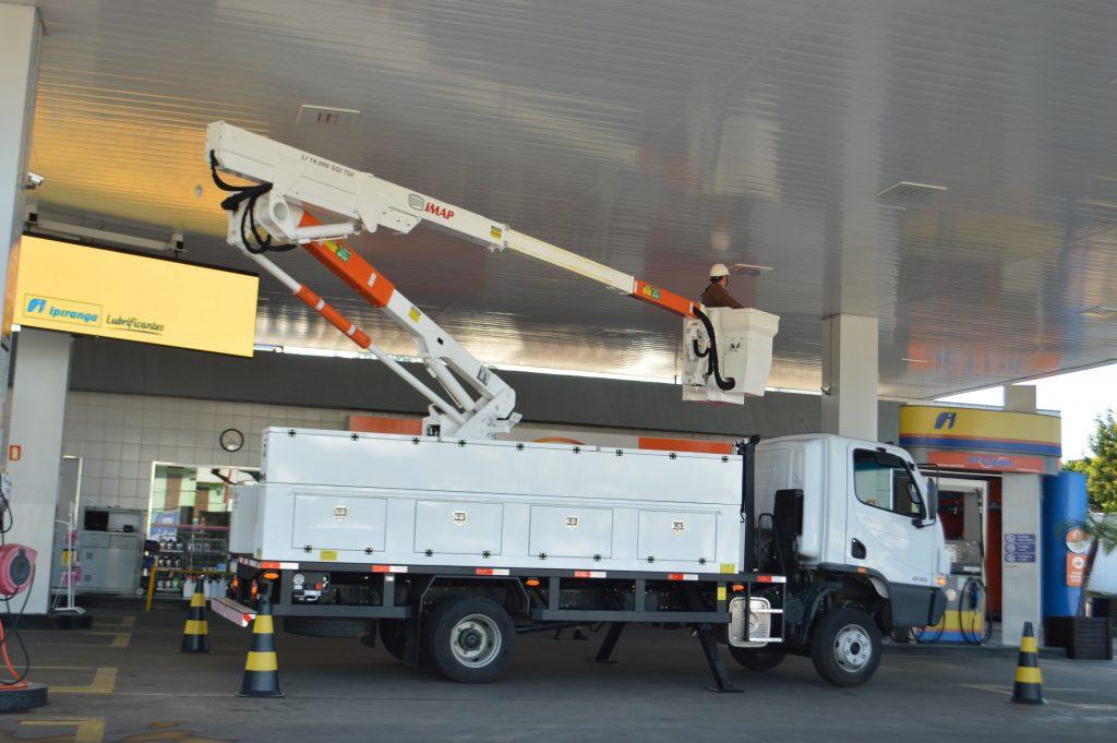 lança telescópica 1024x681 - Lança Telescópica em Cestas Aéreas: Segurança e Produtividade
